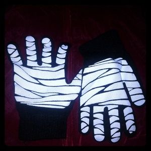 Other - Gloves mummy tema